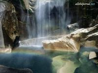 alltheportal-net_natural-phenomenon-vernal-falls-yosemite-cali.jpg