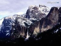 alltheportal-net_snow-on-bridalveil-falls-yosemite-national-park.jpg