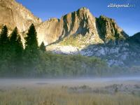 alltheportal-net_sunrise-colors-castle-cliffs-above-leidig-meadow.jpg